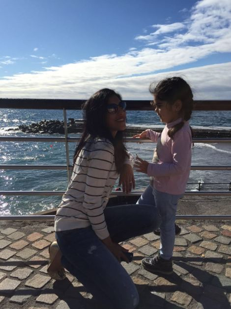 Mis chicas Aarti y Lara, para ellas es mi 2016