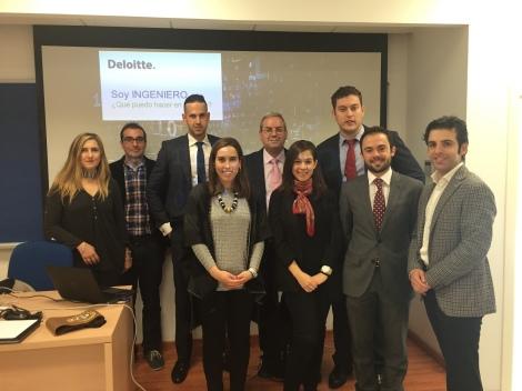Con otros compañeros de Deloitte en el RoadShow de captación de talento en la Universidad de Cádiz